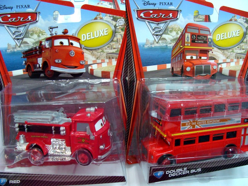 disneycars2-deluxe-bus