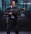 hottoys-agent-phil-coulson-02