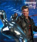 hottoys-dx13-t800-battle-damaged-06