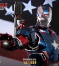 Hot Toys - Iron Man 3 - Iron Patriot Limited Edition Collectible Figurine 10