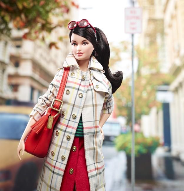 X8274 Barbie Coach 02