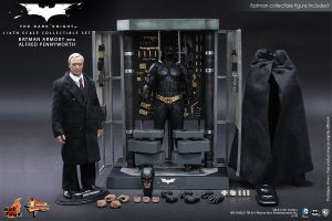 Hot Toys - The Dark Knight - Batman Armory with Alfred Pennyworth Collectible Set 8