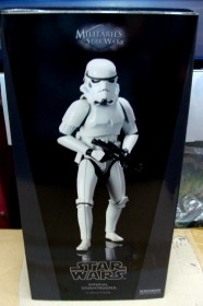 sideshow-stormtrooper-front