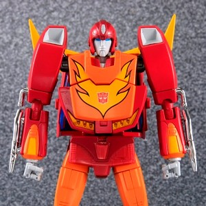 takaratomy-transformers-masterpiece-mp09-thumb