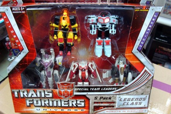 transformers-universe-legends-5-pack-special-teams-leader