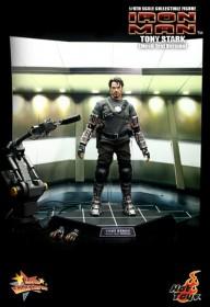 Hottoys-Tony-Stark-15