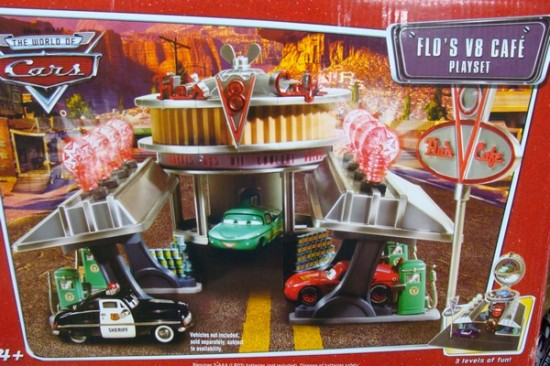 disney-pixar-cars-v8-flo-cafe-playset