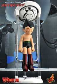 hottoys-astro-boy-vinyl-figure-2