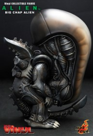 hottoys-big-chap-alien-vinyl-figure-4