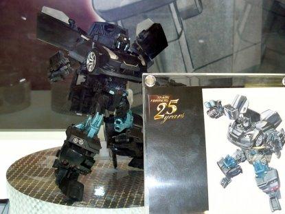 takaratomy-alternity-A01-Black-Convoy-1